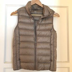 Uniqlo Ultra Light Down Vest XS Gold/Taupe